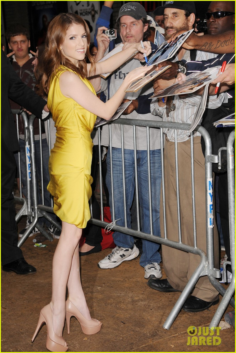 anna kendrick late show with david letterman visit 032733185