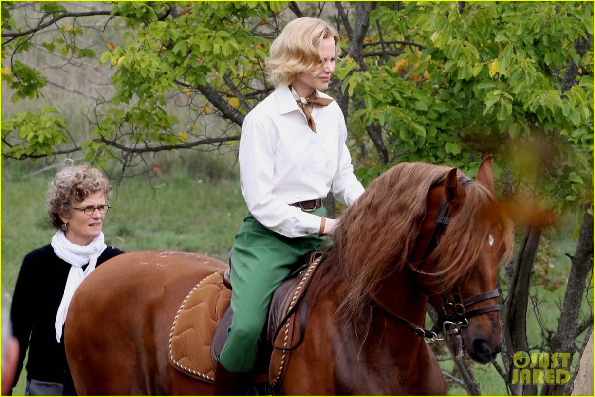 nicole kidman horseback riding for grace kelly 022737079