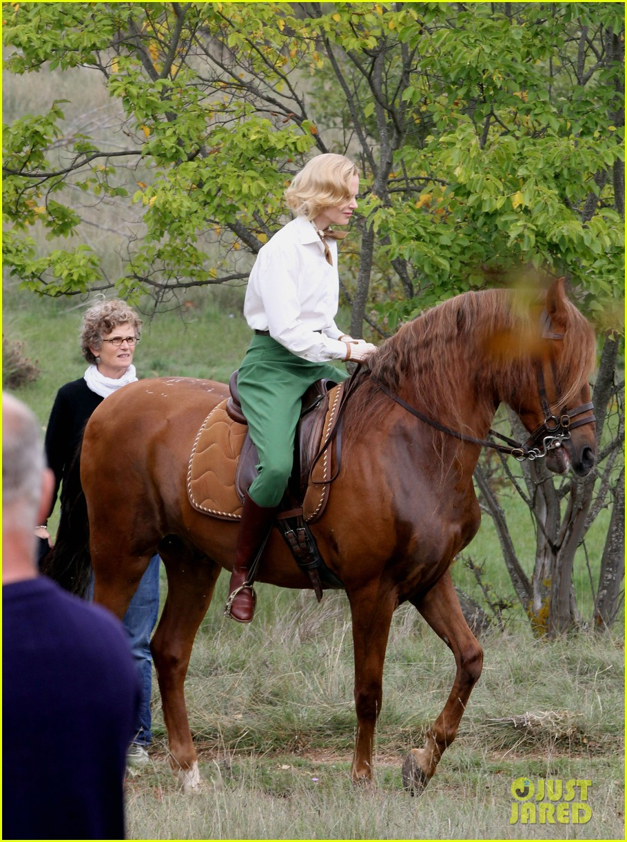 nicole kidman horseback riding for grace kelly 06