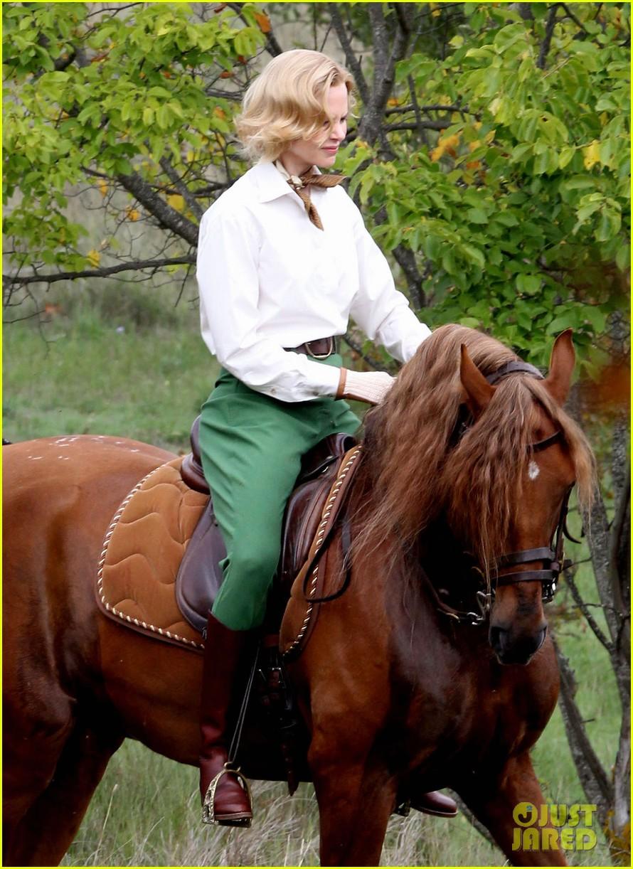 nicole kidman horseback riding for grace kelly 112737088