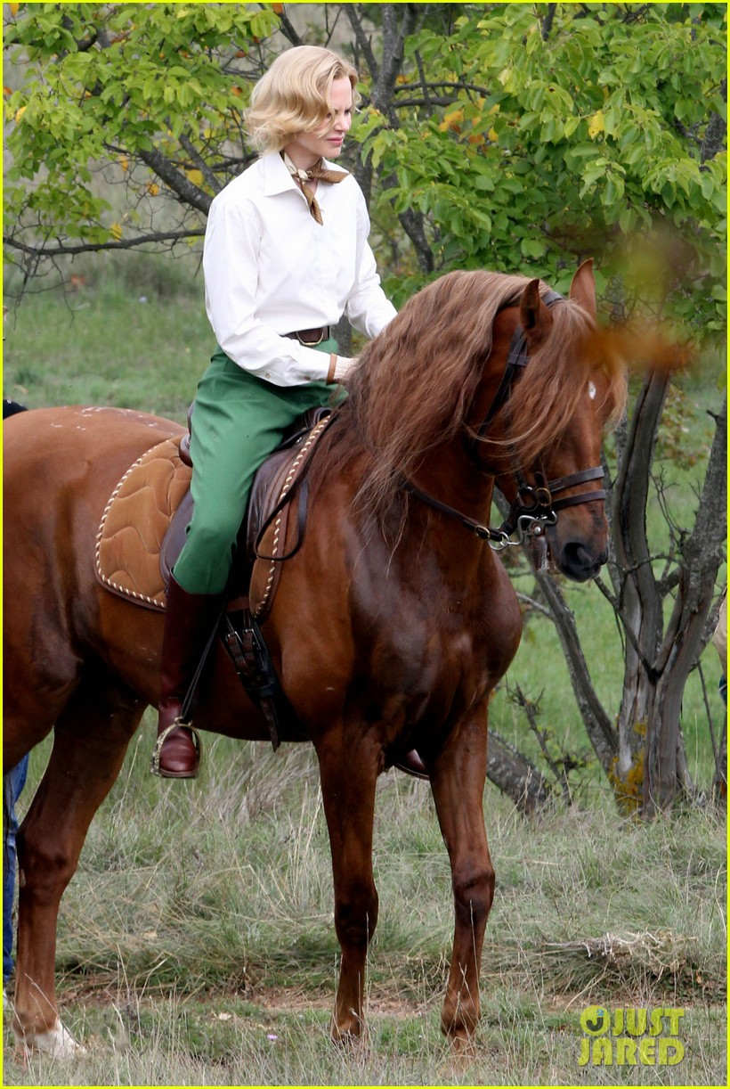 nicole kidman horseback riding for grace kelly 122737089