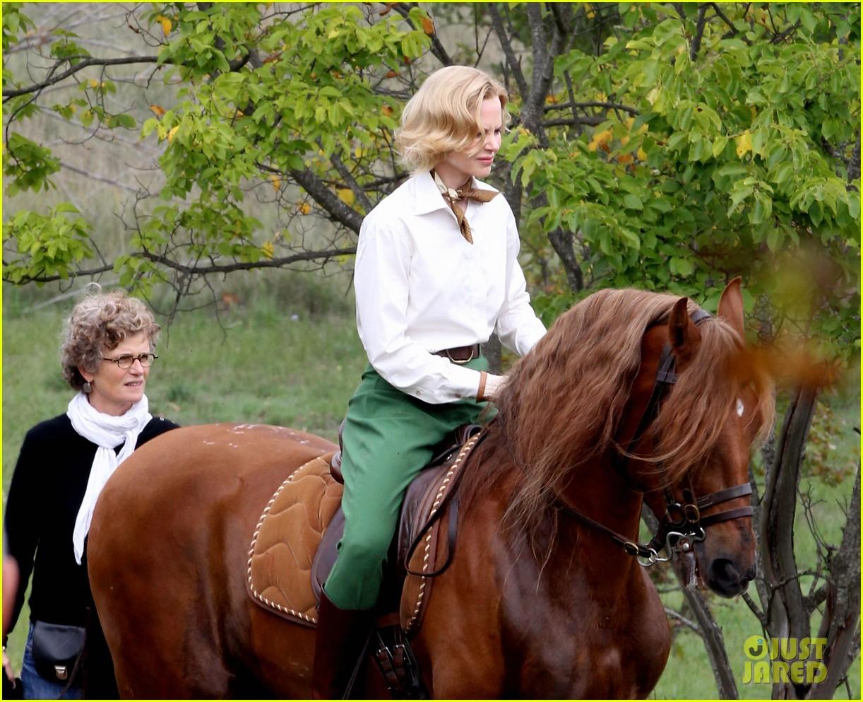 nicole kidman horseback riding for grace kelly 142737091