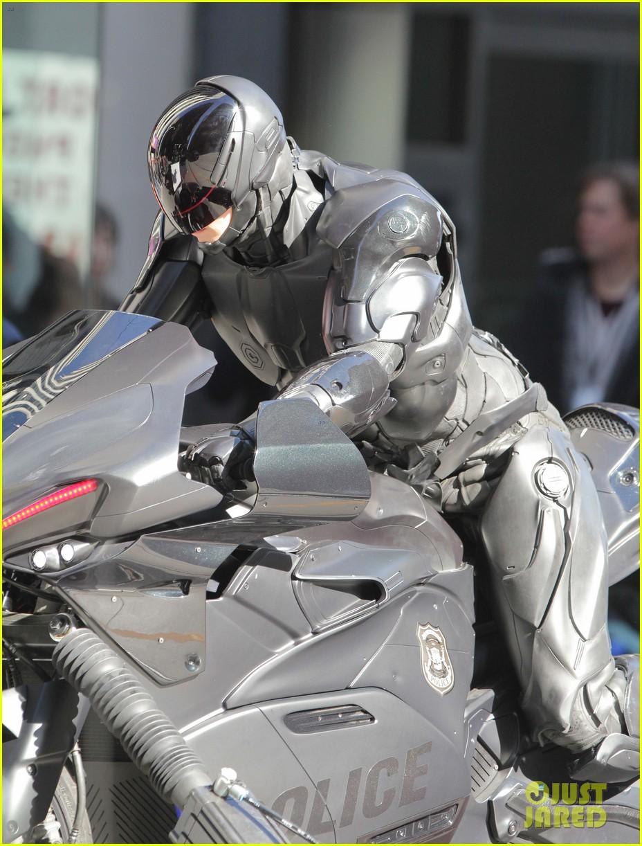 joel kinnaman robocop motorcycle scenes 032742770