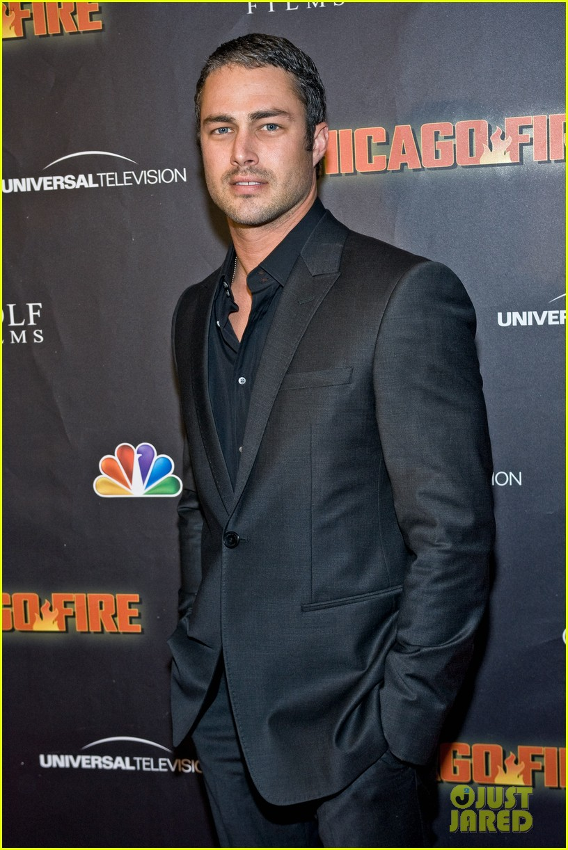 taylor kinney jesse spencer chicago fire premiere 042732349