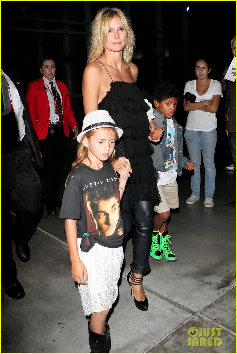 heidi klum justin bieber concert with martin kristen and kids 04