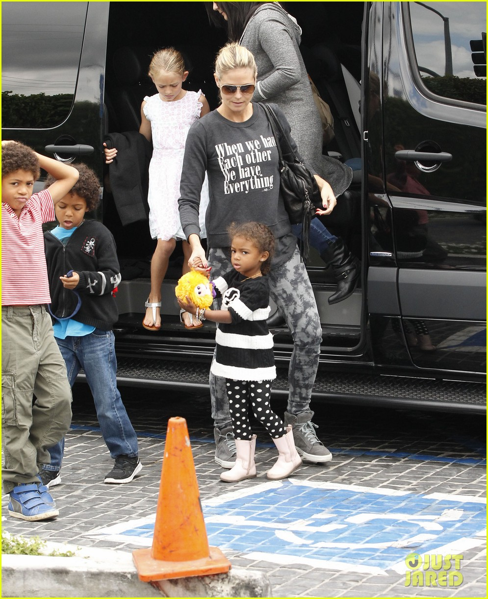 heidi klum sunday fun with  the kids 152742099