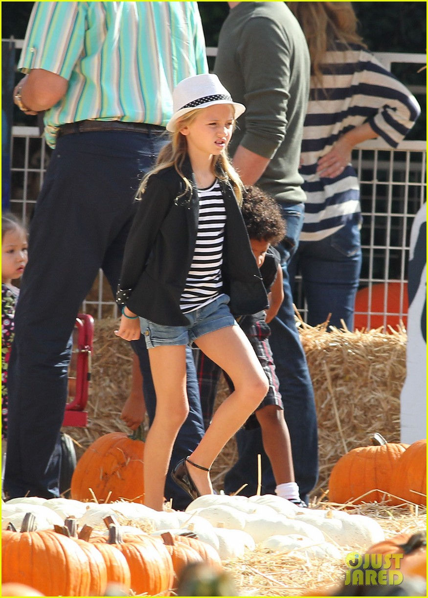 heidi klum martin kirsten pumpkin patch with the kids 202734333