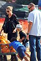 heidi klum martin kirsten pumpkin patch with the kids 04