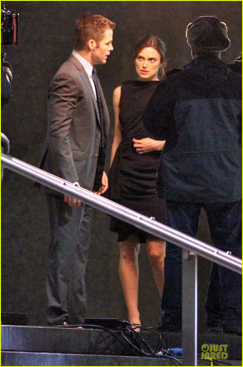 keira knightley chris pine kissing scene jack ryan set 082747342