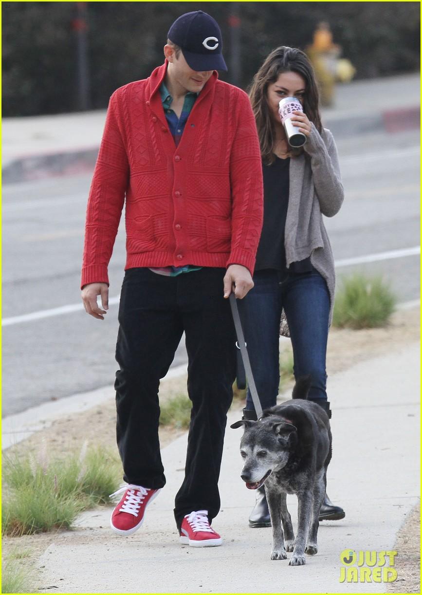 ashton kutcher mila kunis monday morning dog walk 042742729