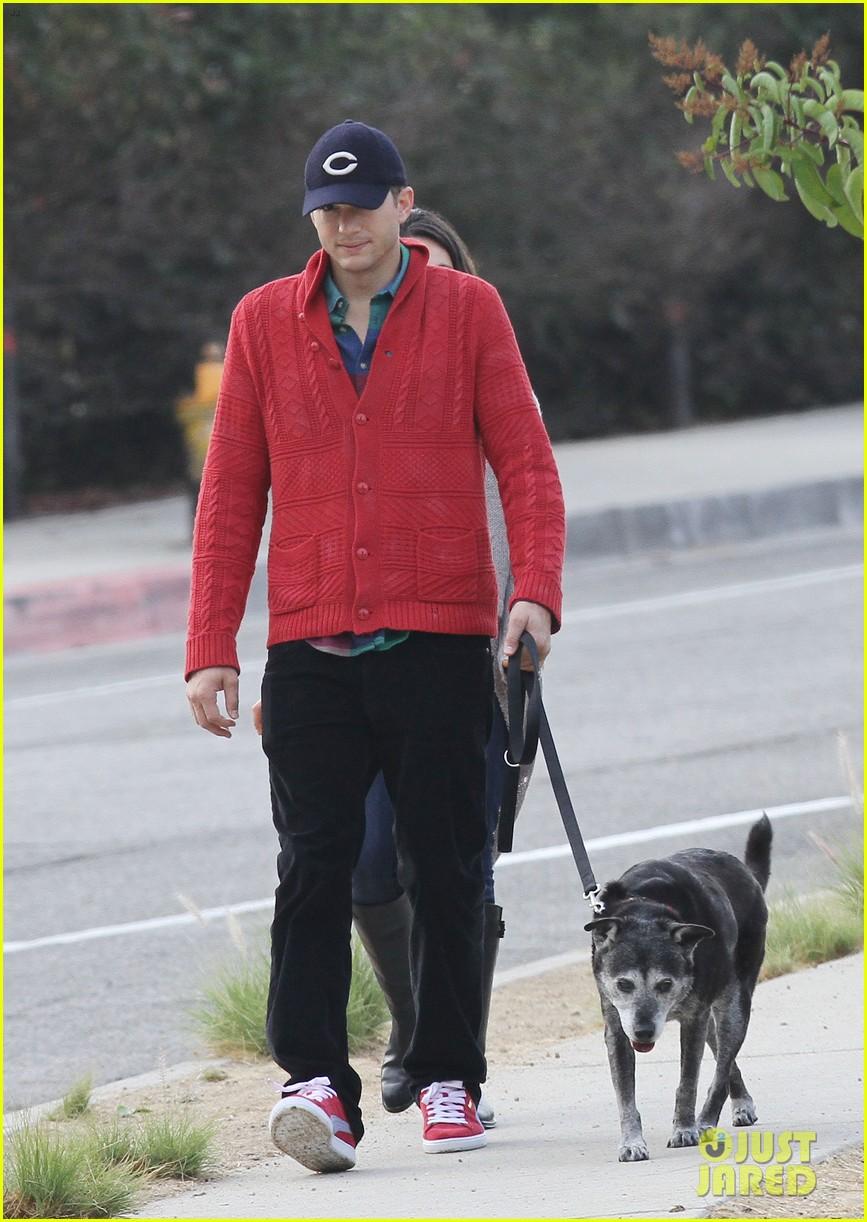 ashton kutcher mila kunis monday morning dog walk 062742731