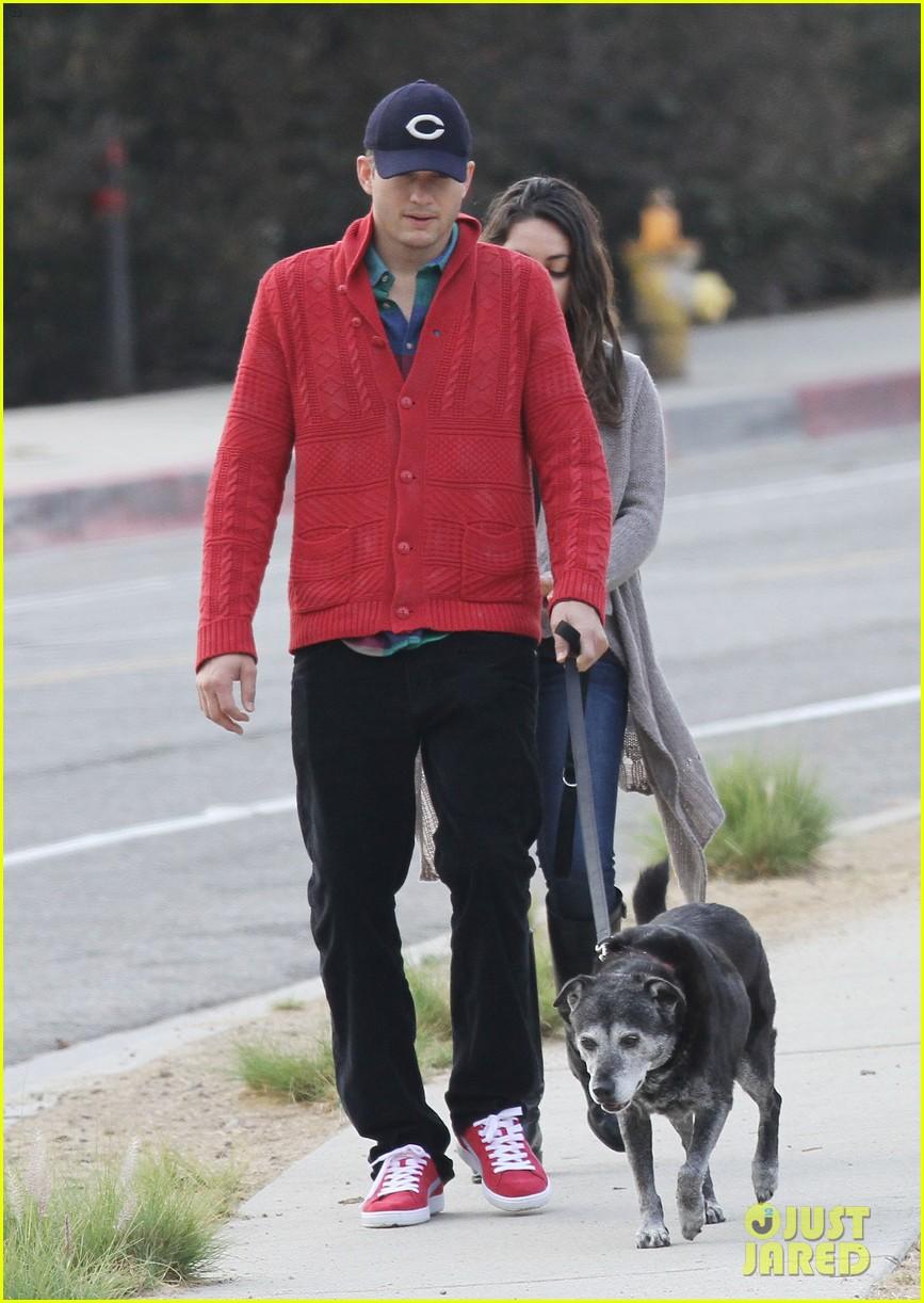 ashton kutcher mila kunis monday morning dog walk 082742733