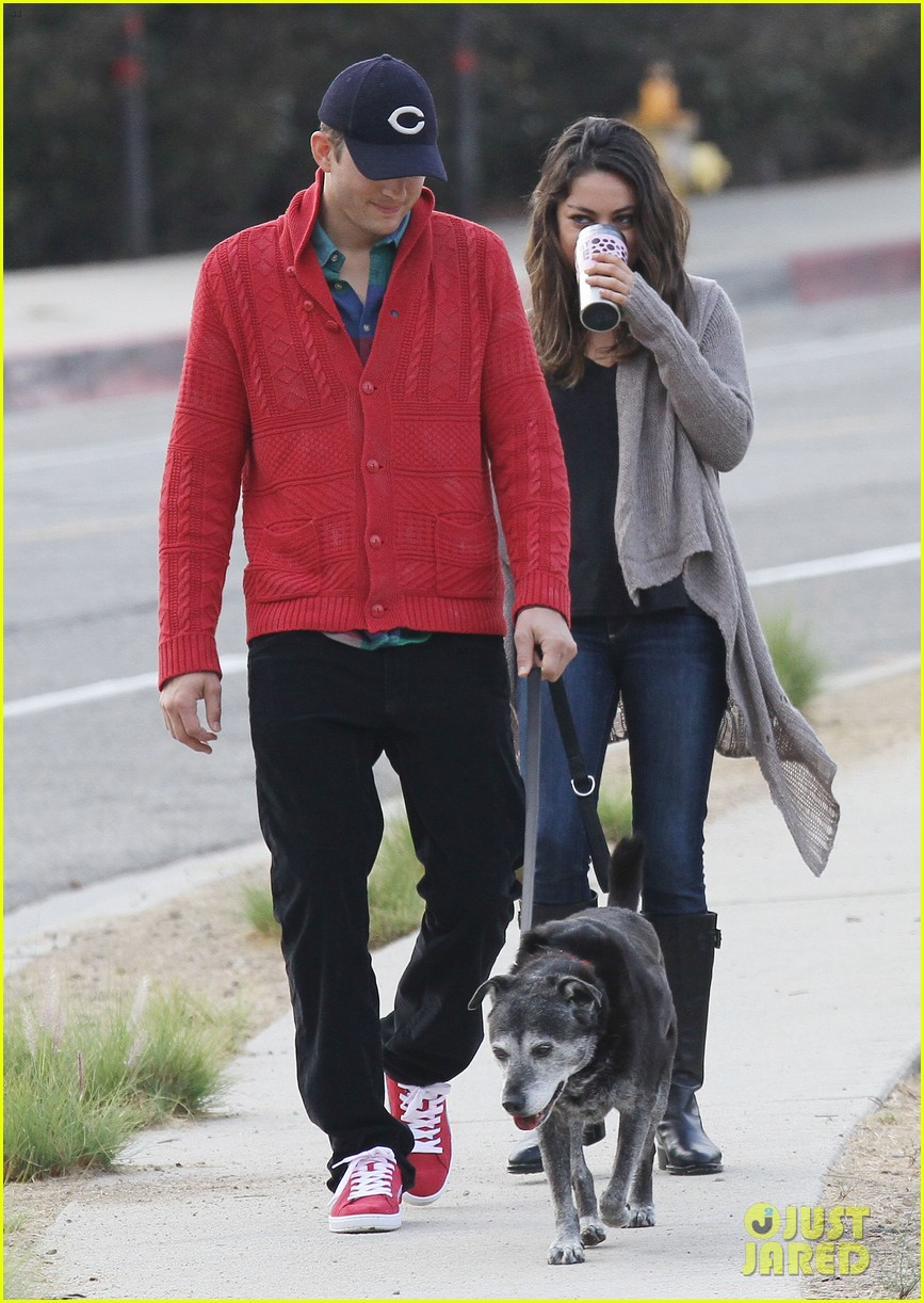 ashton kutcher mila kunis monday morning dog walk 162742738