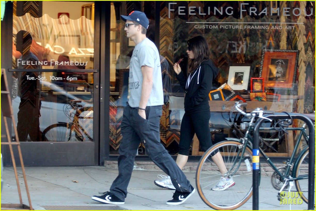ashton kutcher mila kunis thank you for loving each other 06