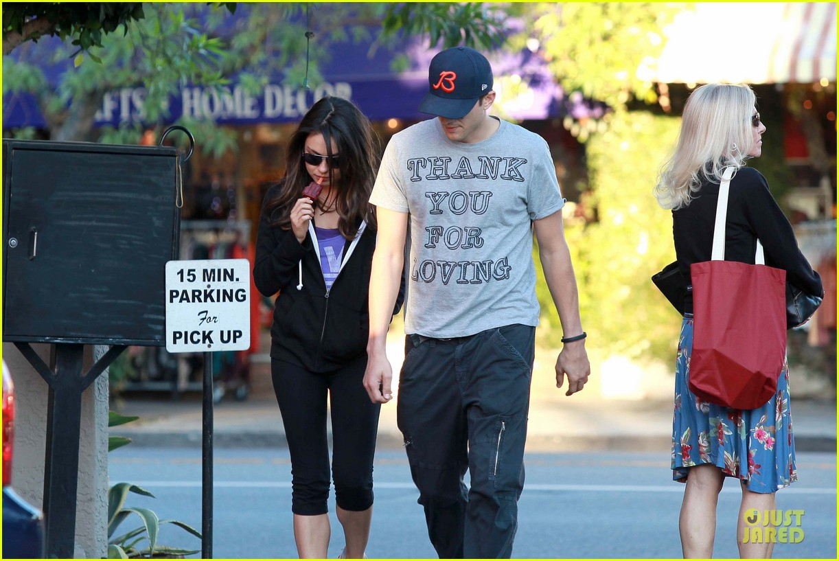 ashton kutcher mila kunis thank you for loving each other 152745869