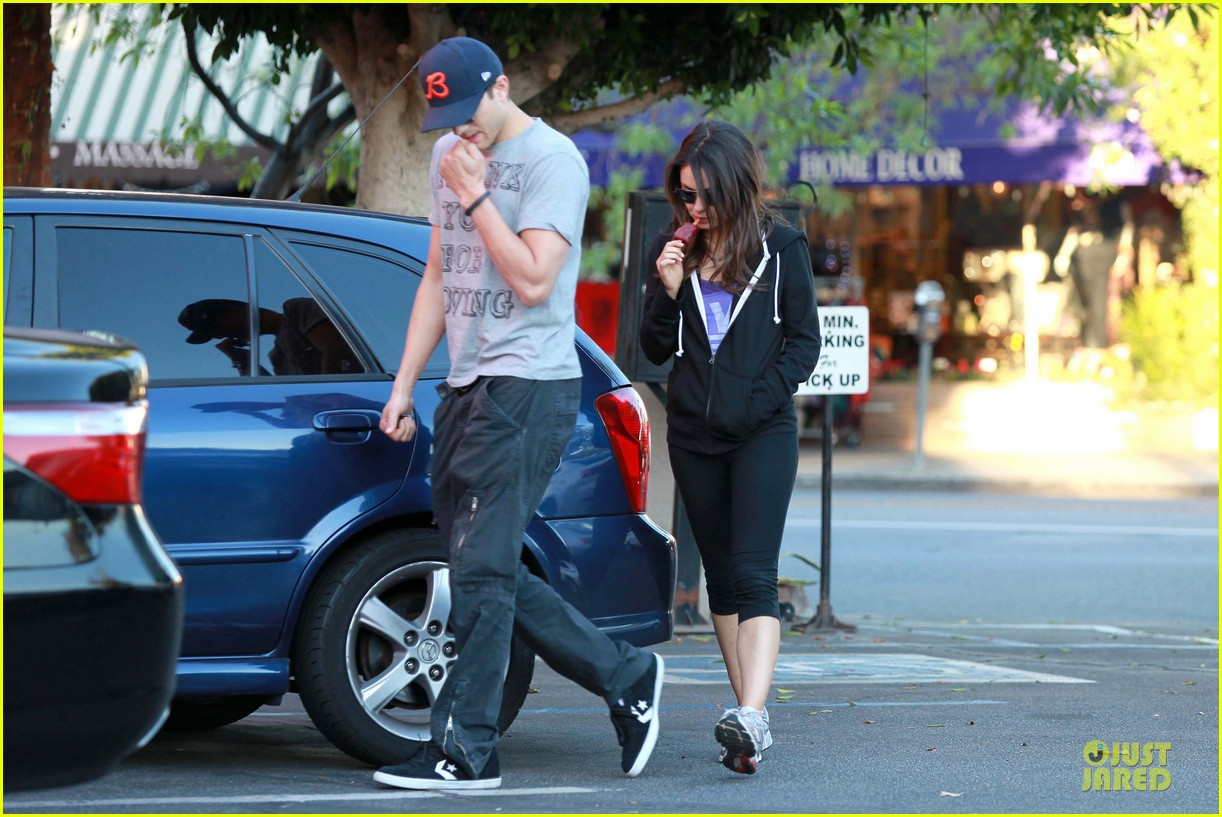 ashton kutcher mila kunis thank you for loving each other 162745870