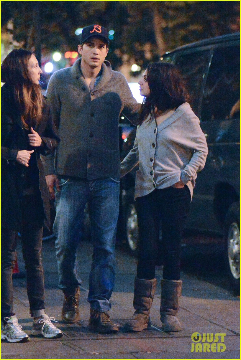 ashton kutcher mila kunis west village dinner date 18