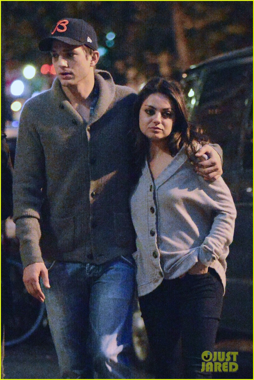 ashton kutcher mila kunis west village dinner date 25