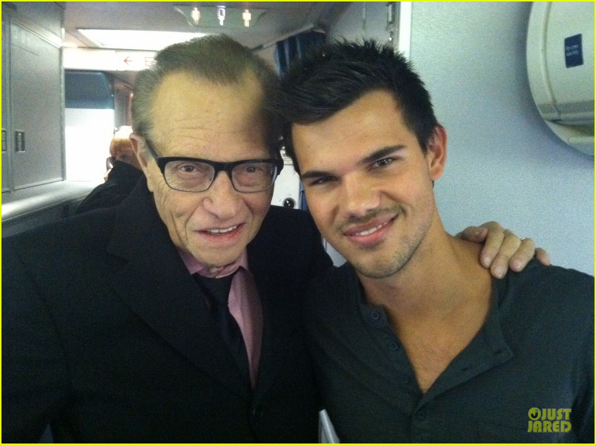 taylor lautner larry king joins team jacob 052743947
