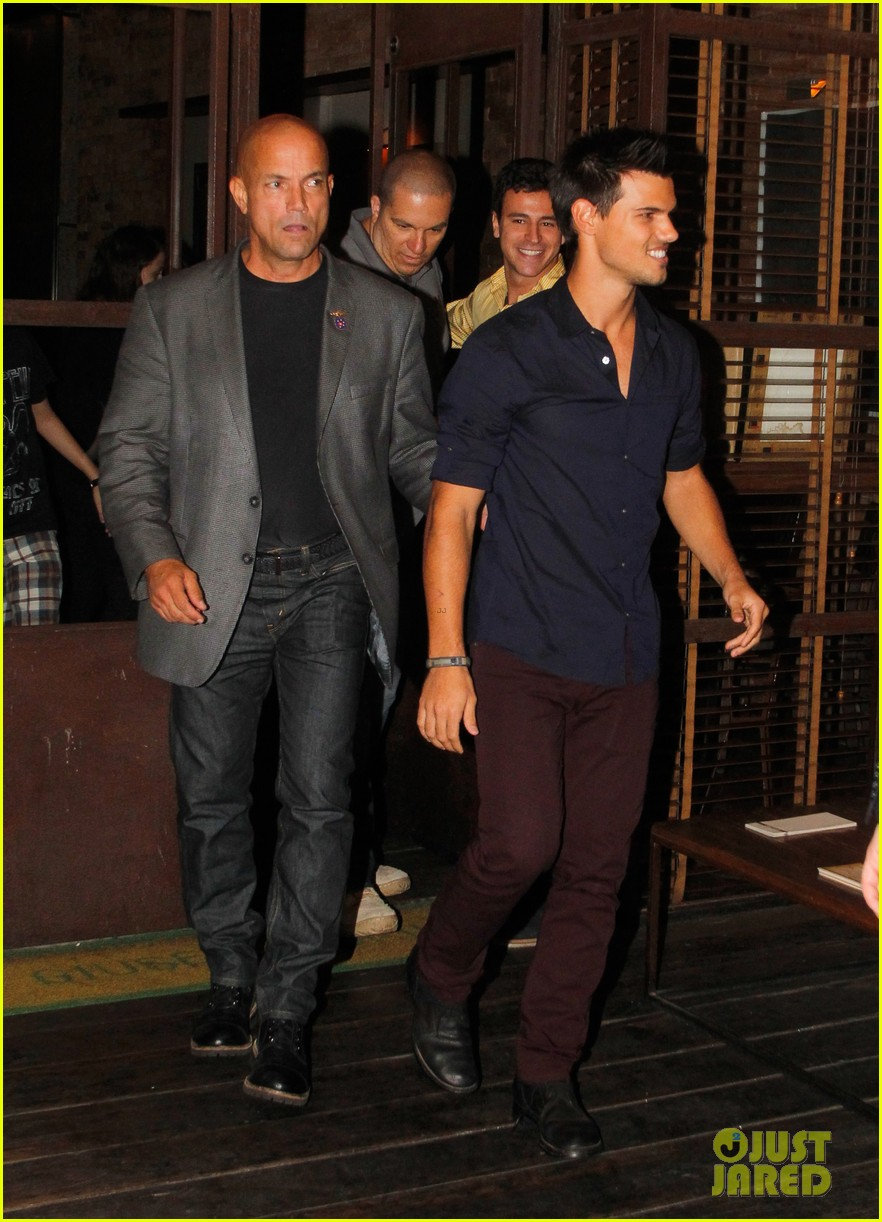 taylor lautner fan friendly rio 082744460
