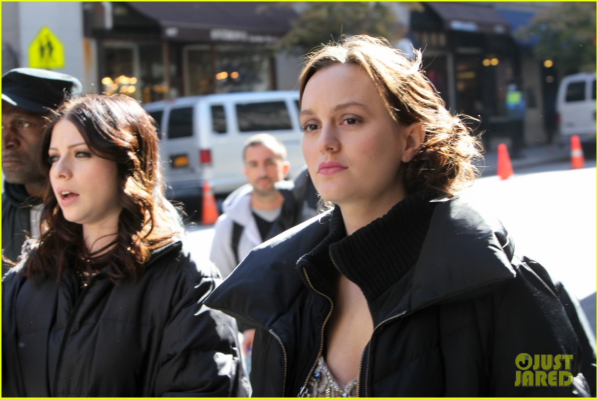 leighton meester ed westwick chilly gossip girl set 022739871