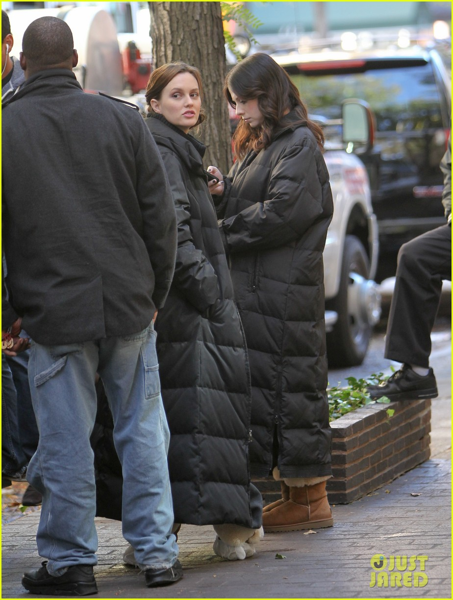 leighton meester ed westwick chilly gossip girl set 042739873