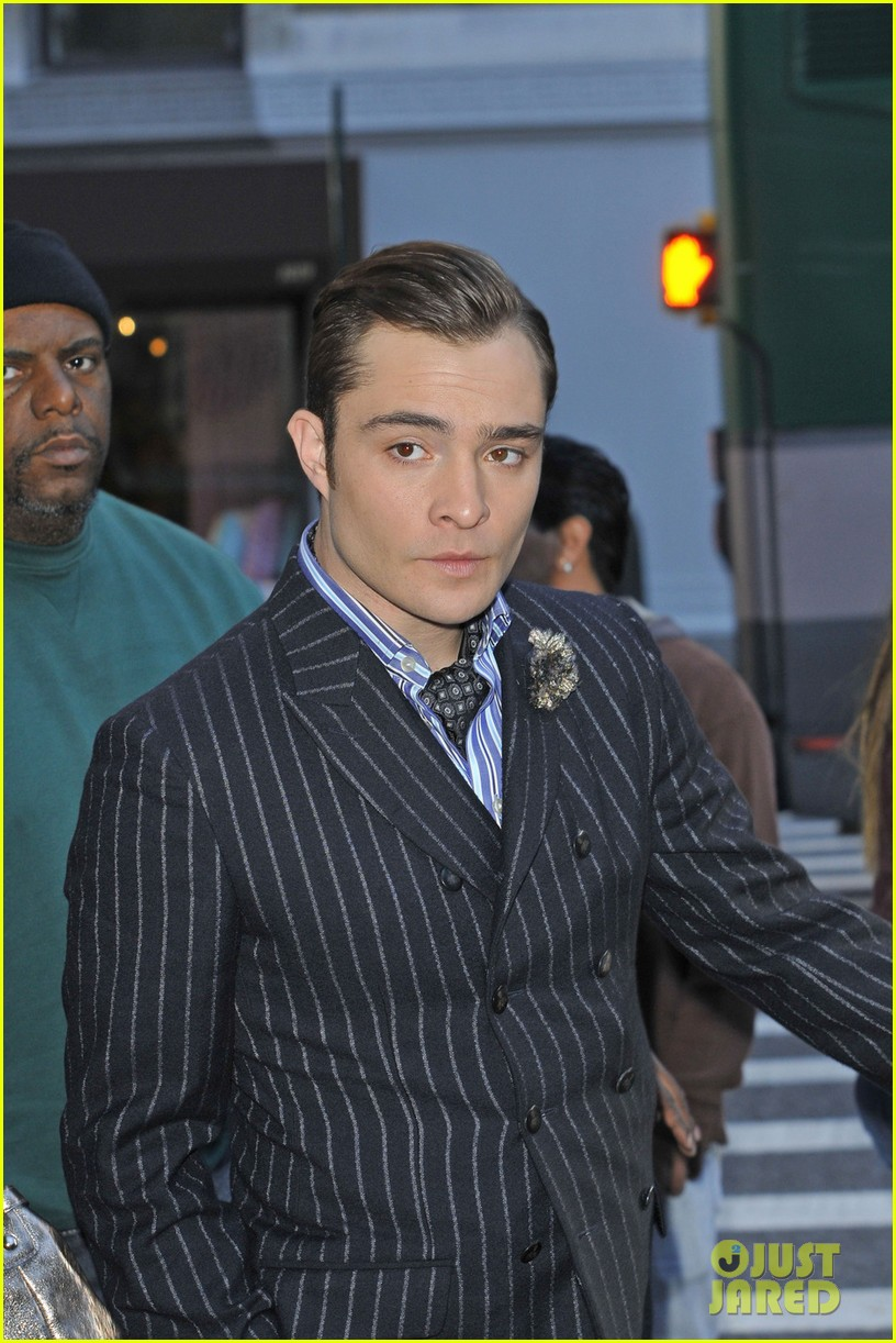 leighton meester ed westwick chilly gossip girl set 072739876