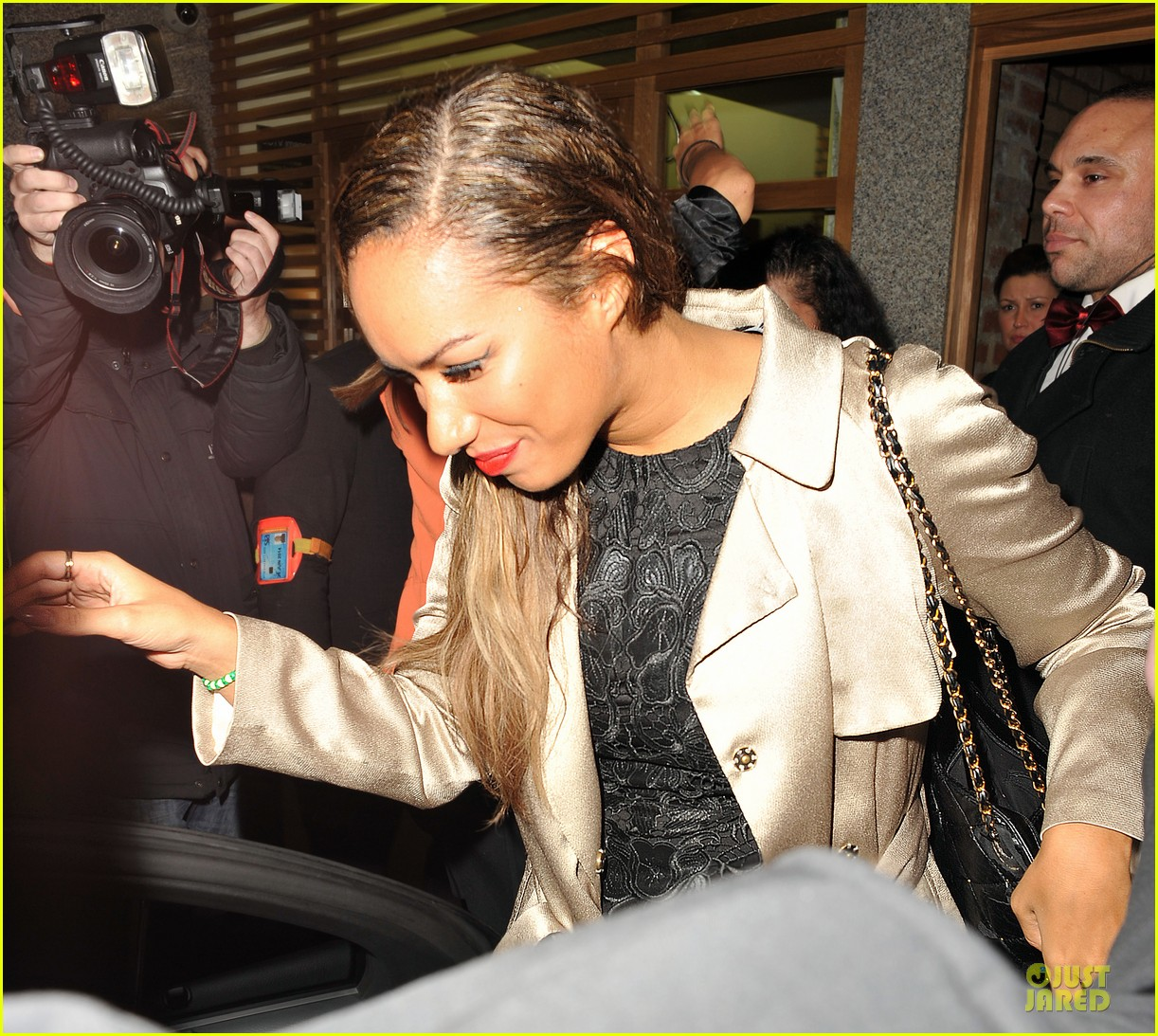 leona lewis stand up to cancer performance watch now 082741604