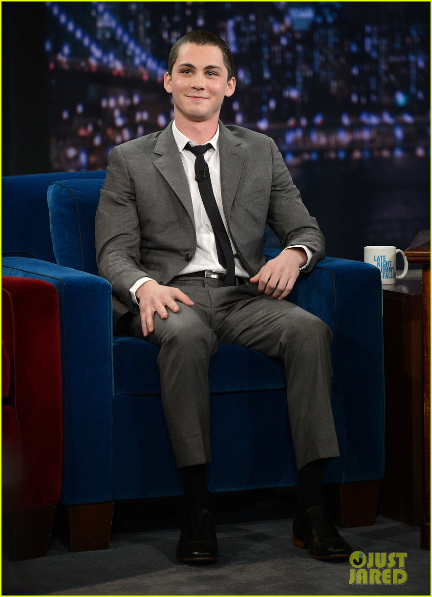 logan lerman late night with jimmy fallon visit 01