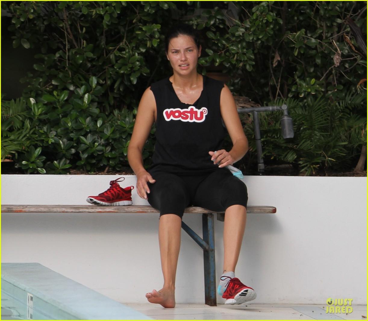 adriana lima post baby body workout 022734558