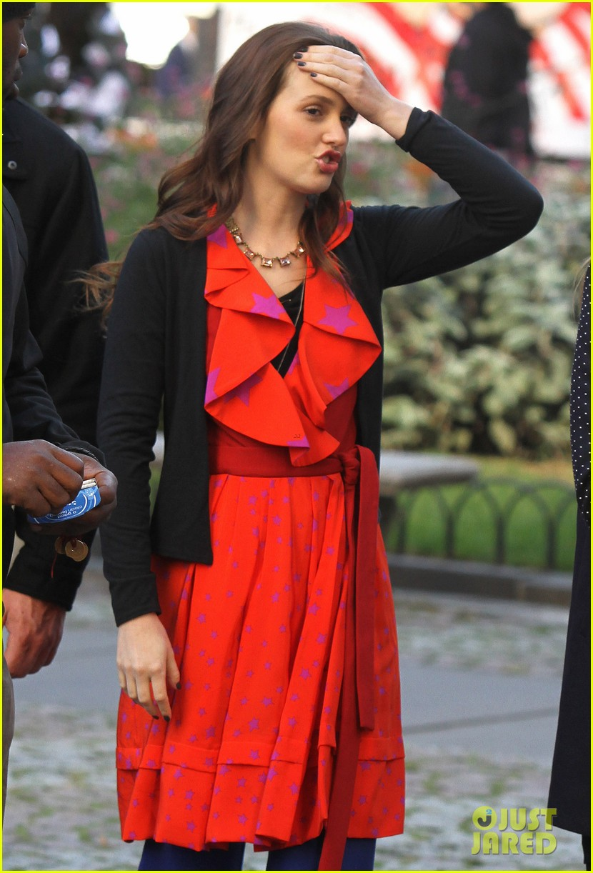 blake lively gossip girl set with leighton meester ed westwick 042731305