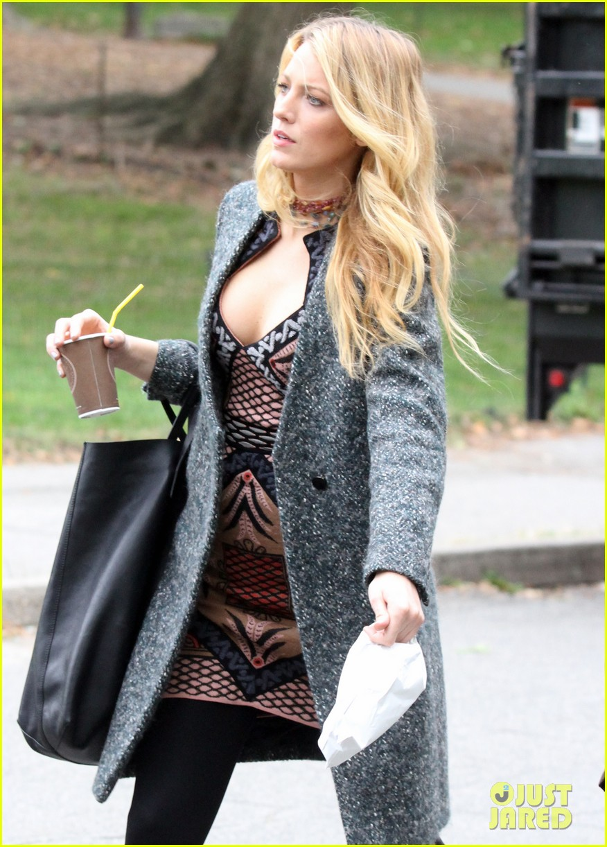 blake lively leighton meester gossip girl set 10