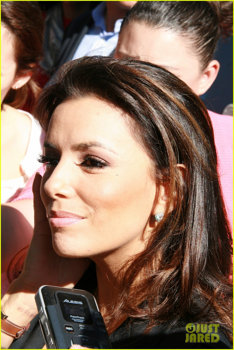 eva longoria smiling after mark sanchez split 022744286