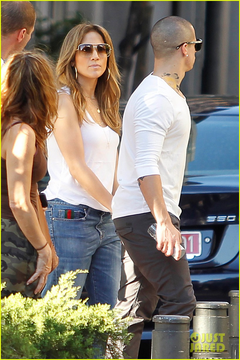 jennifer lopez casper smart dinner with the family 032734986