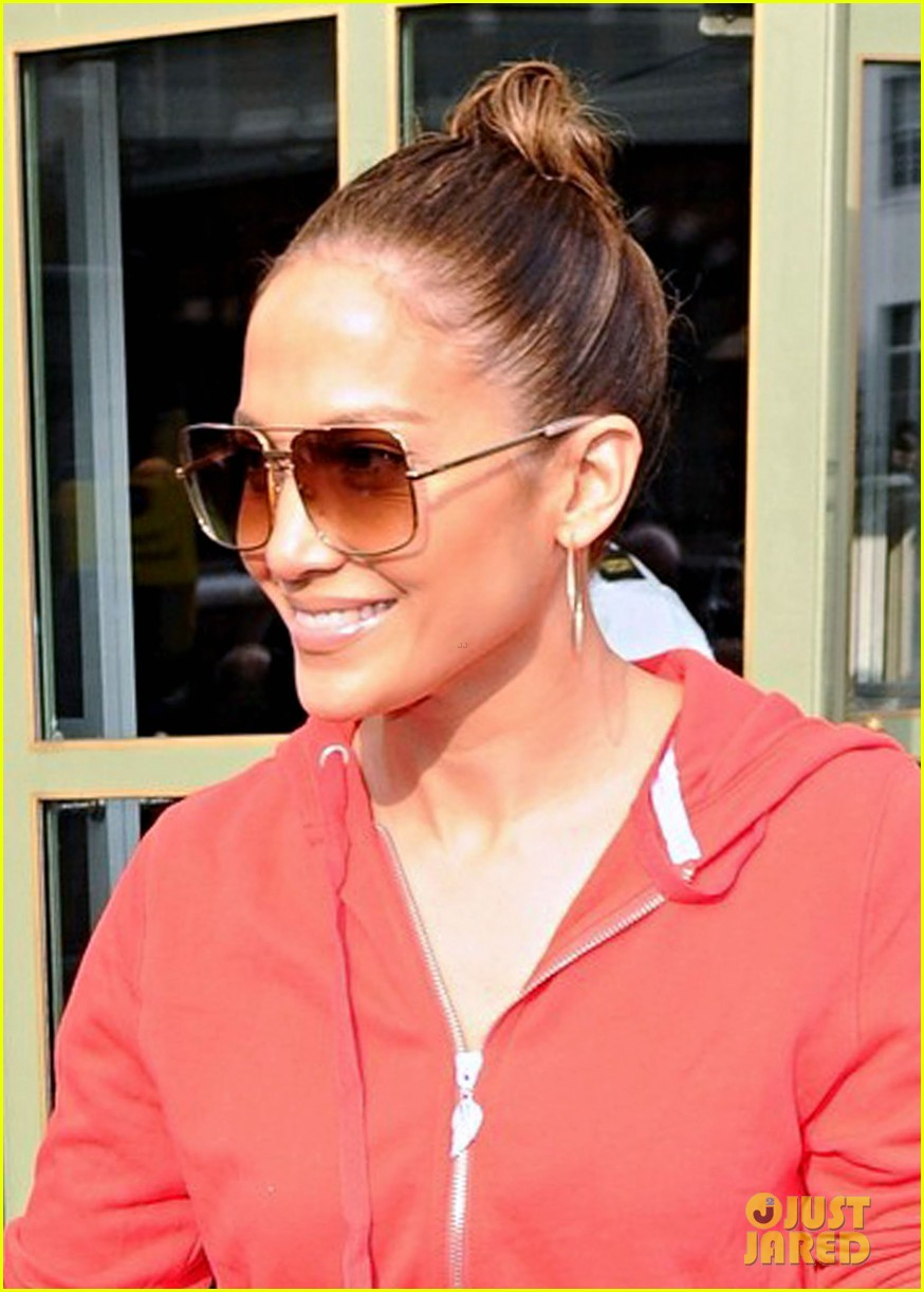 jennifer lopez harrods shopping spree with casper smart 022744108