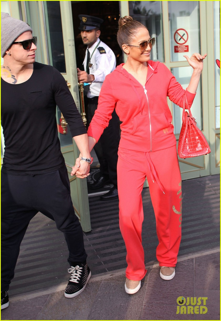 jennifer lopez harrods shopping spree with casper smart 092744115
