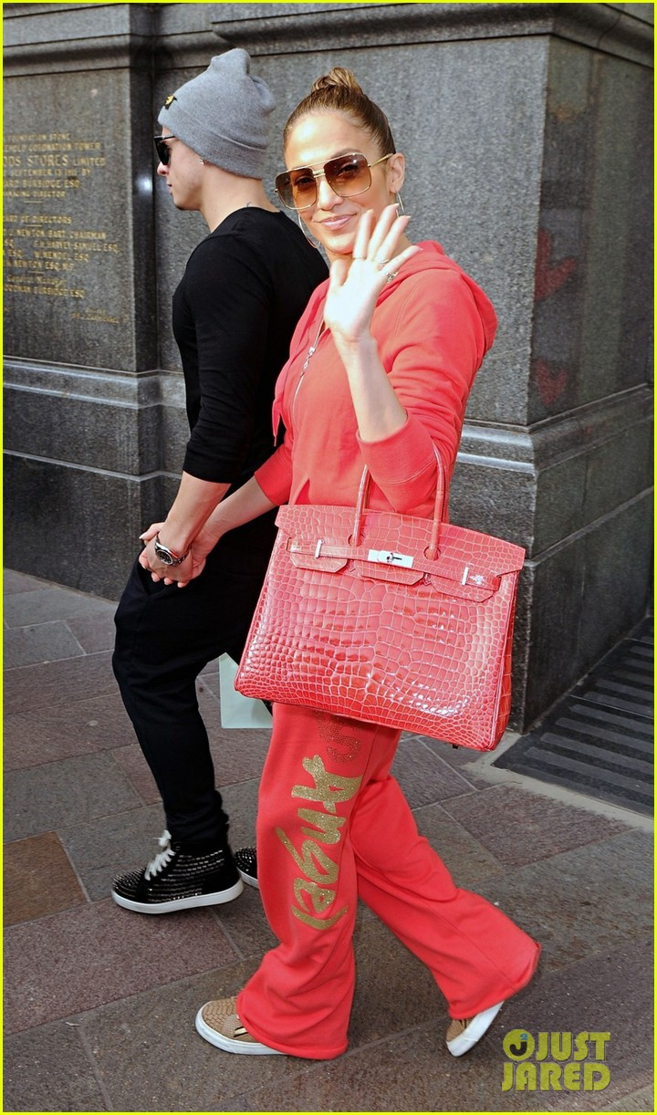 jennifer lopez harrods shopping spree with casper smart 142744120