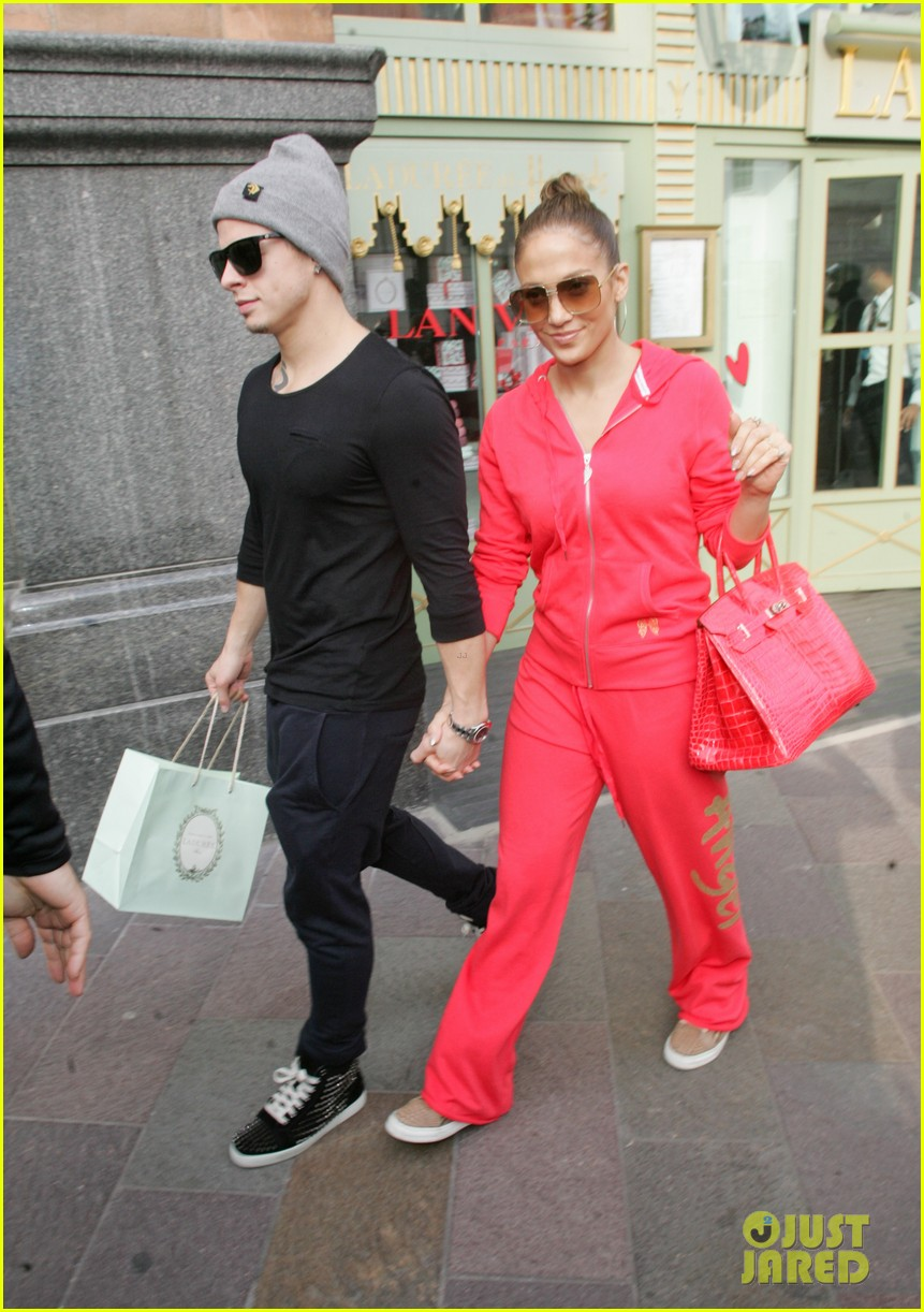jennifer lopez harrods shopping spree with casper smart 162744122