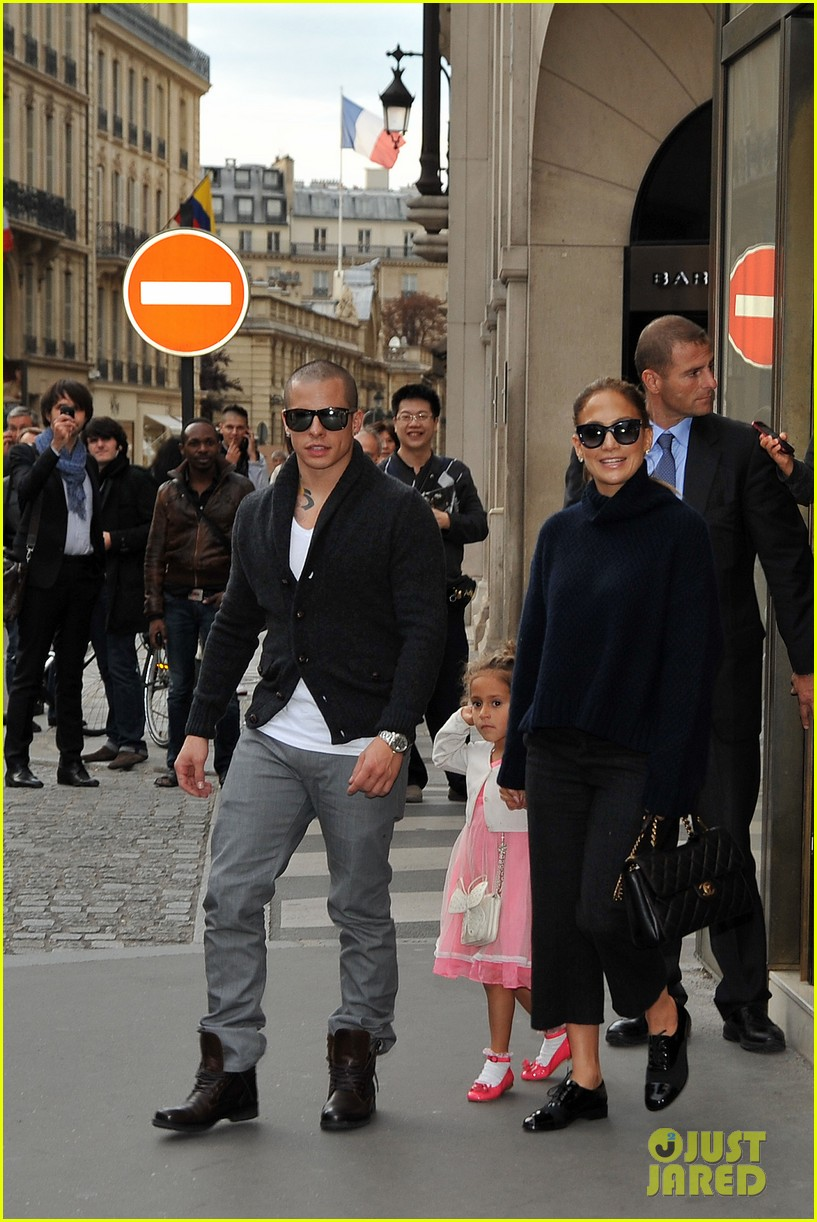 jennifer lopez shopping with casper and the kids 012732224