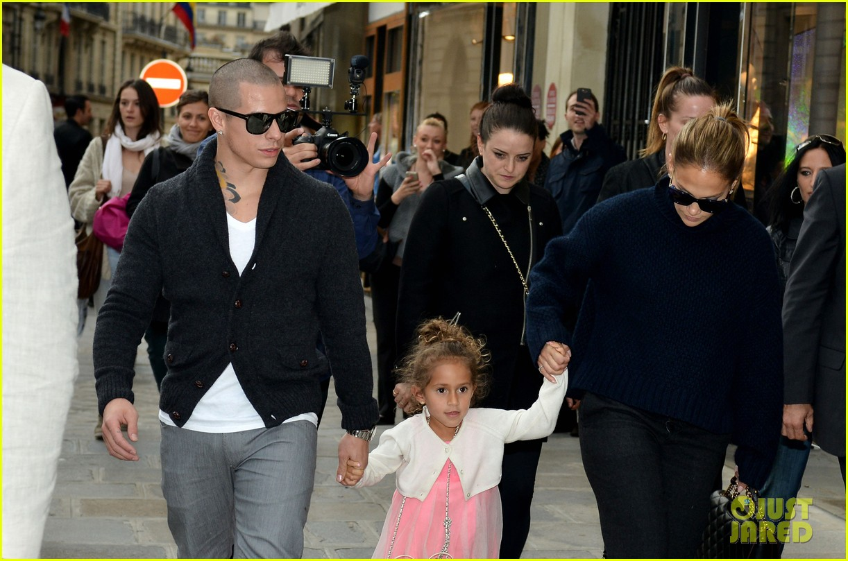 jennifer lopez shopping with casper and the kids 032732226