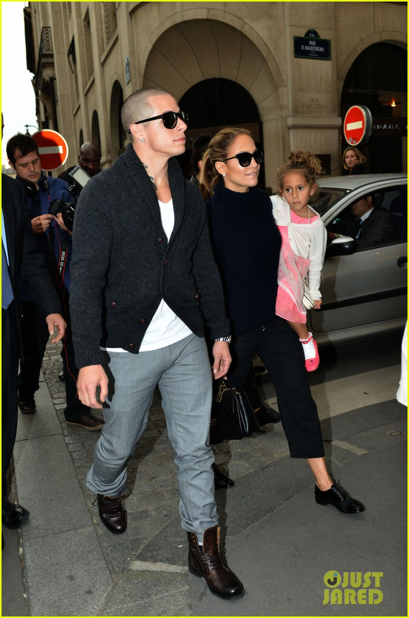 jennifer lopez shopping with casper and the kids 132732236