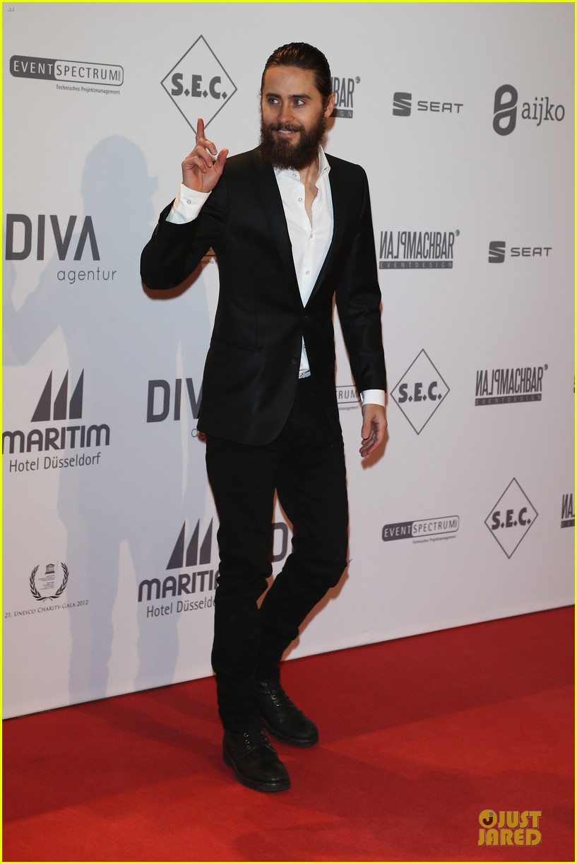 jennifer lopez jared leto unesco charity gala 14
