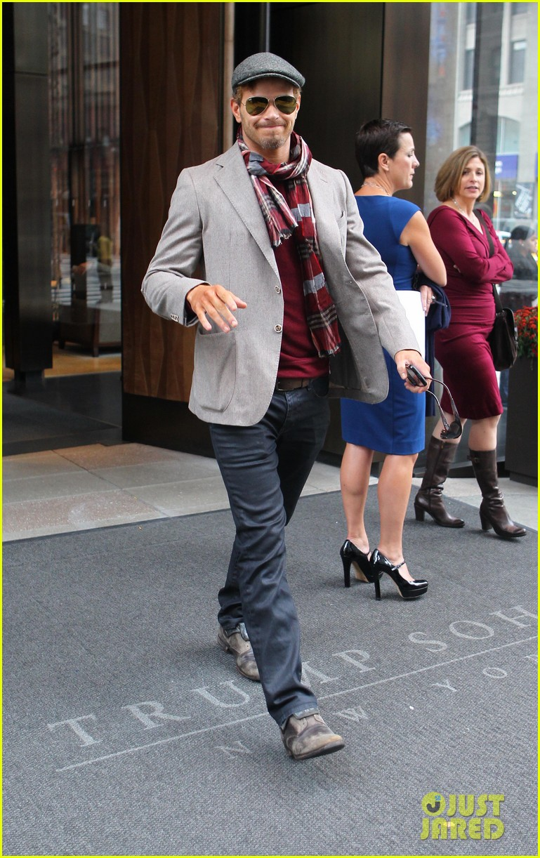 kellan lutz handsome hotel check out 182745160