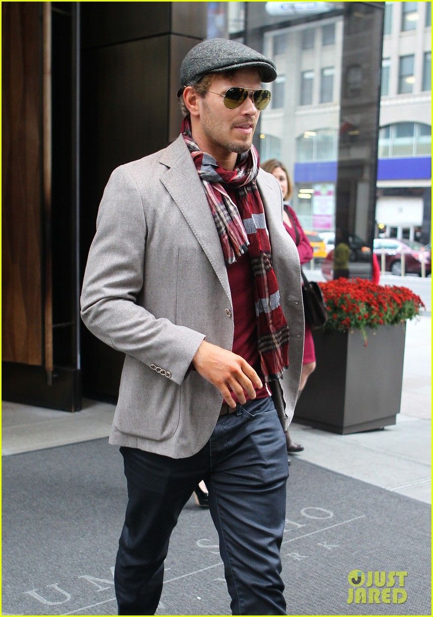 kellan lutz handsome hotel check out 212745163