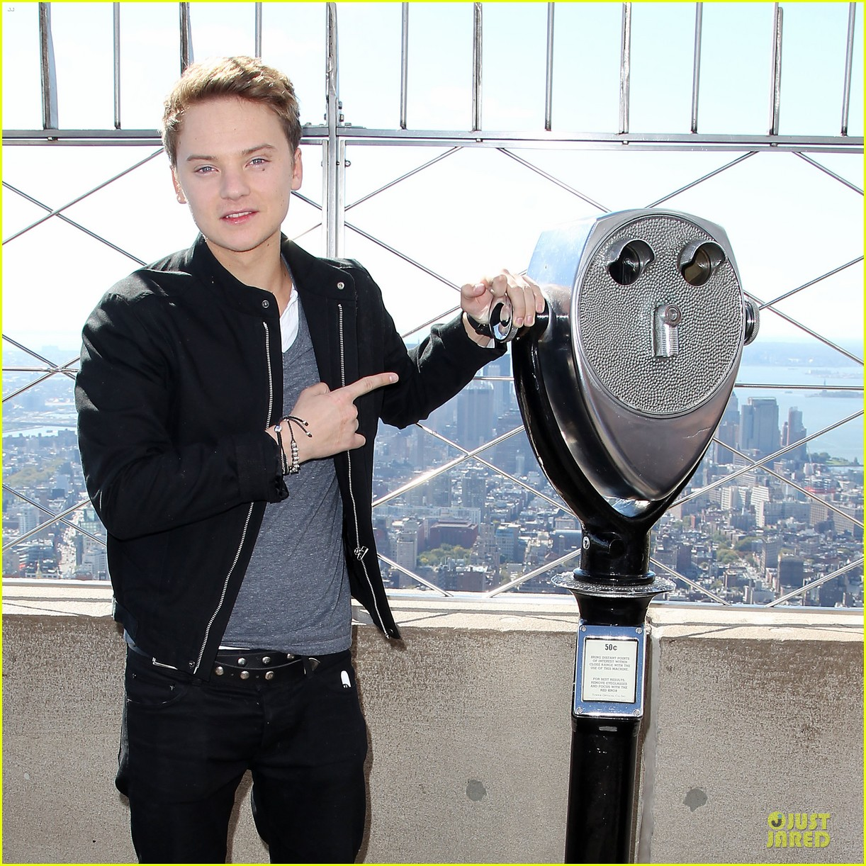 conor maynard tops empire state building 042739397