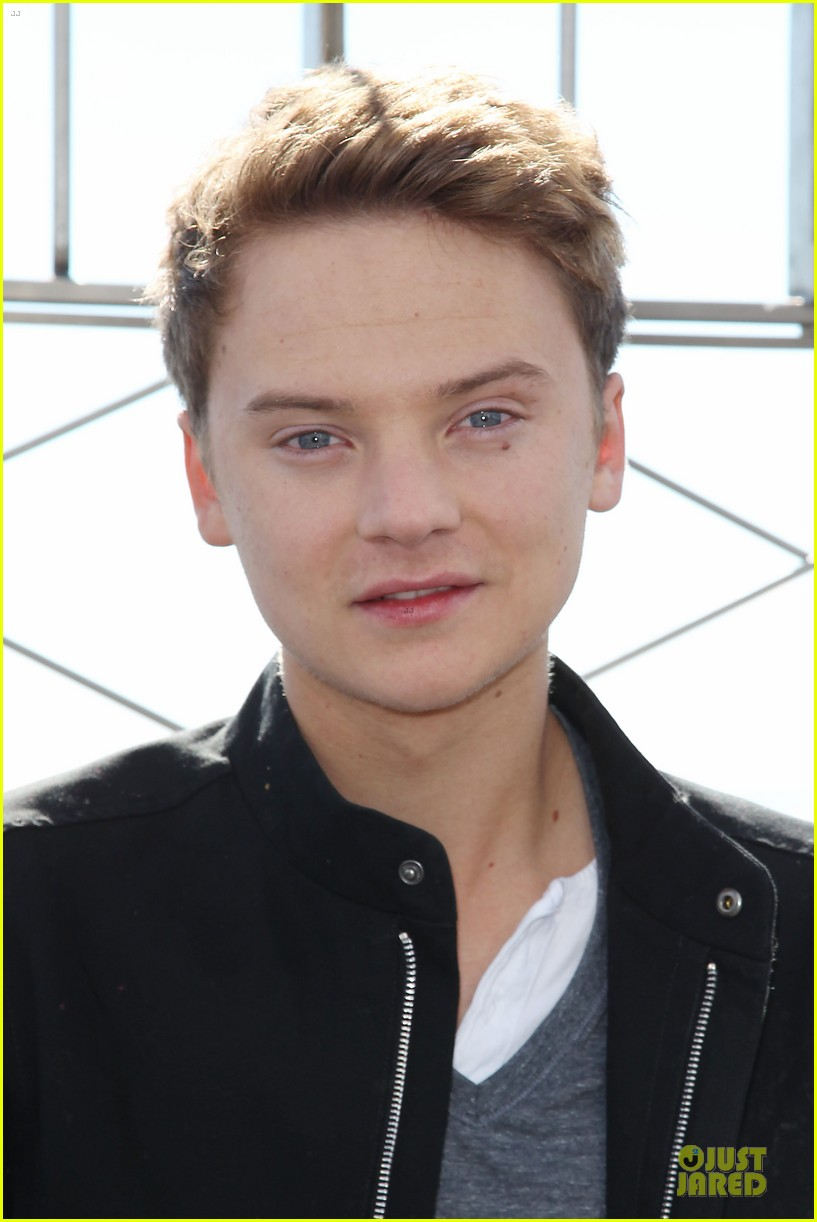 conor maynard tops empire state building 072739400