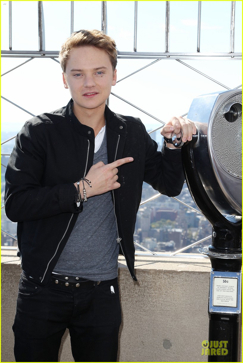 conor maynard tops empire state building 082739401