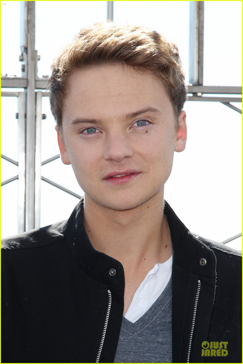 conor maynard tops empire state building 122739405