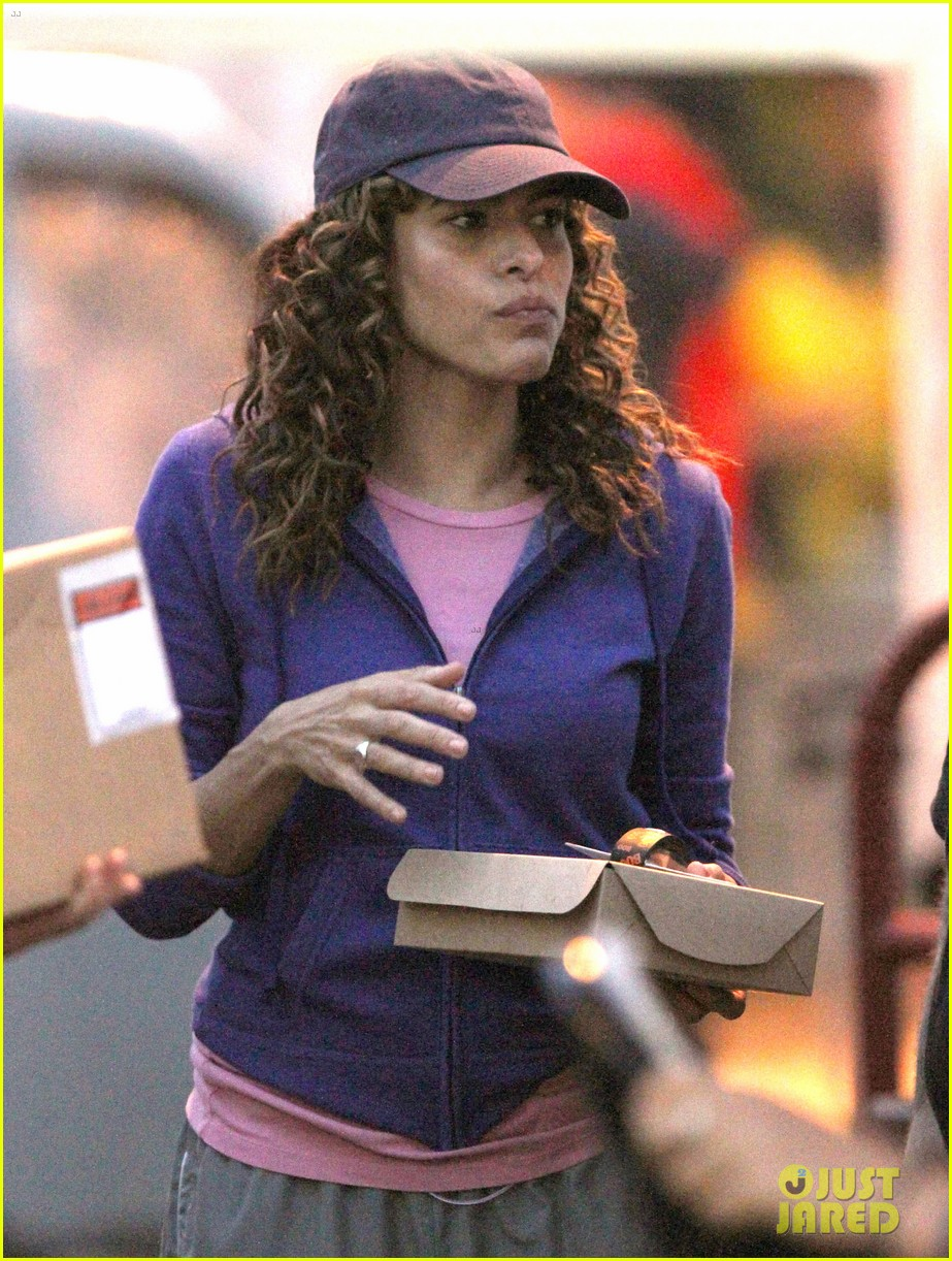 eva mendes curly hair for clear history 052732461