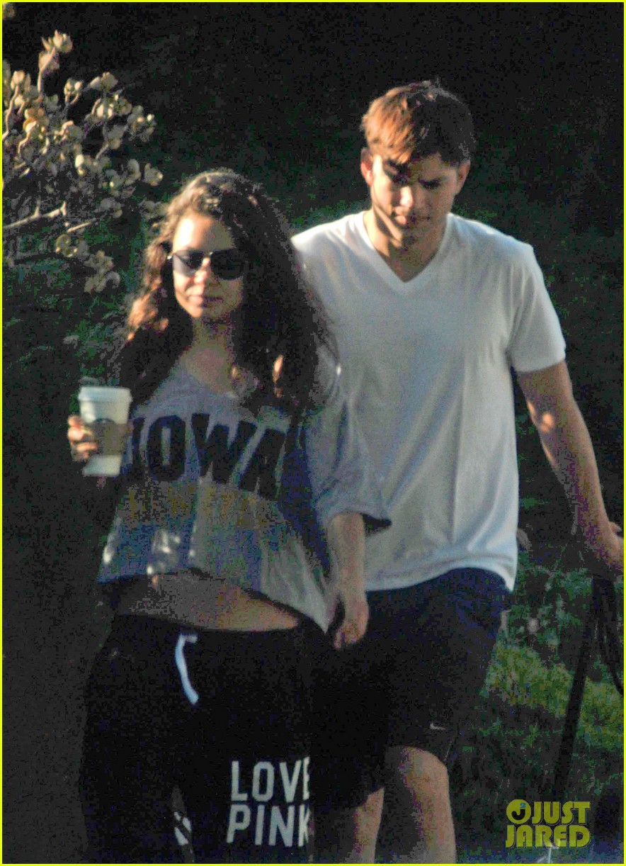 mila kunis ashton kutcher dog walking duo 022740987